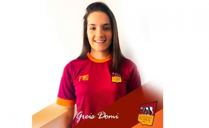 The Roma women's soccer reinforces the midfield
