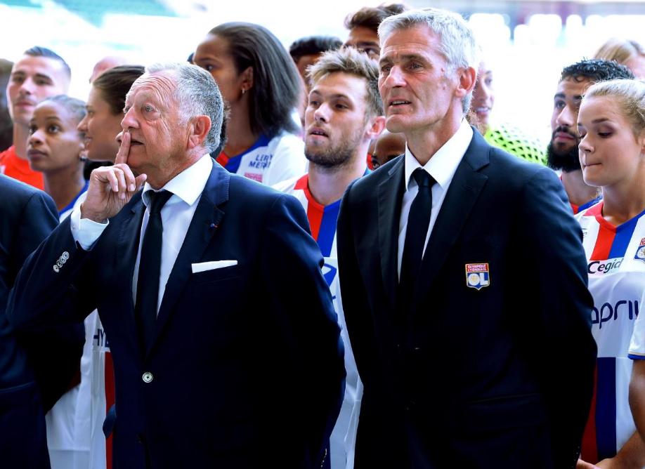 On the left, Jean-Michel Aulas, president of Olympique Lyonnais